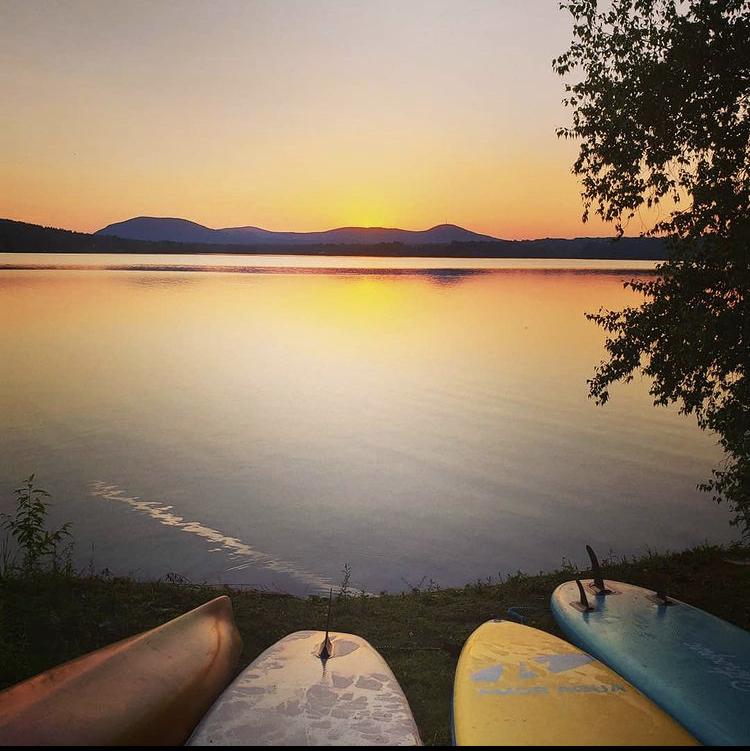 Coucher de soleil sur le lac Fraser